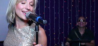 Sognare un cantante: Significato, interpretazione e numeri al lotto