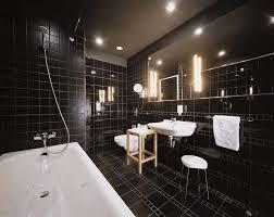 Sognare il bagno