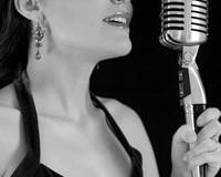 Sognare donna che canta